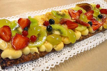 Banda de crema i fruita